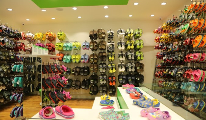 4467b468a Crocs launches flagship store with LiteRide collection in Delhi ...