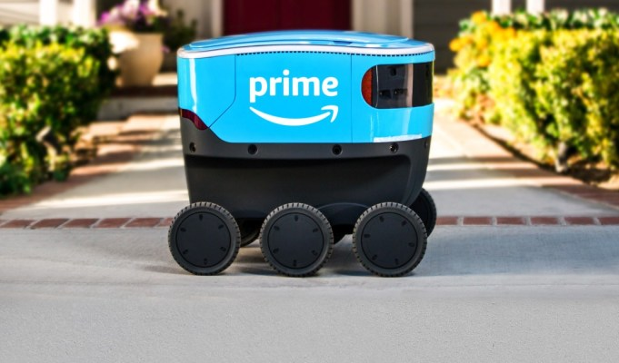 Amazon introduces self-driving delivery robot, Scout