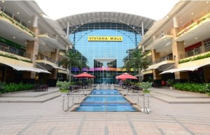Booking of time slots at shopping centres see preferential bias