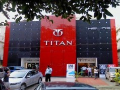 Titan logs Rs 270 cr Q1 loss