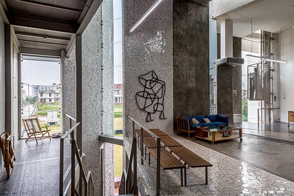 Anita-Dube's-Residence-8