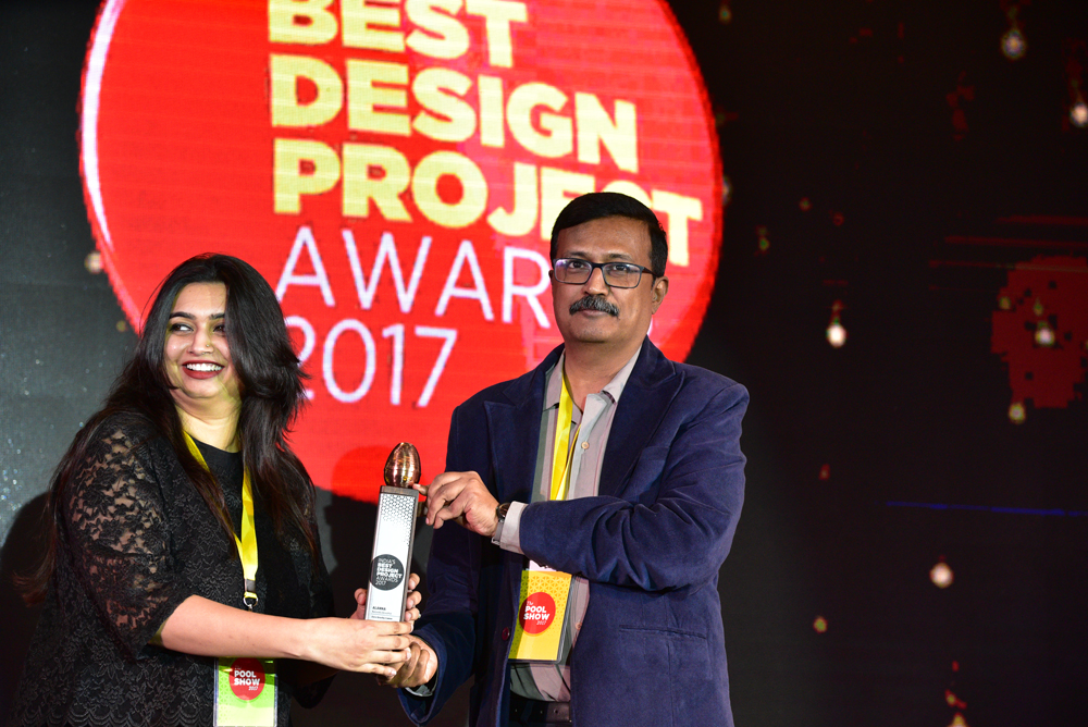 Zero Gravity Communications receiving 'India's Best Design Project 2017' Award from A Balasubramaniam