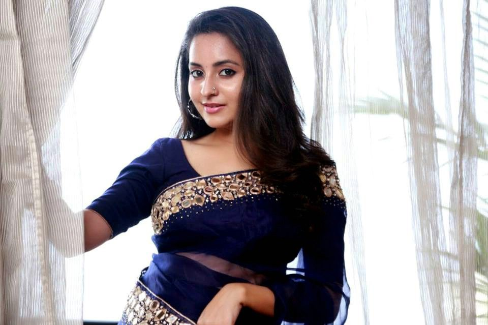 Bhama Hd Wallpaper Malayalam Actress Bhama Cute Pictures Collection