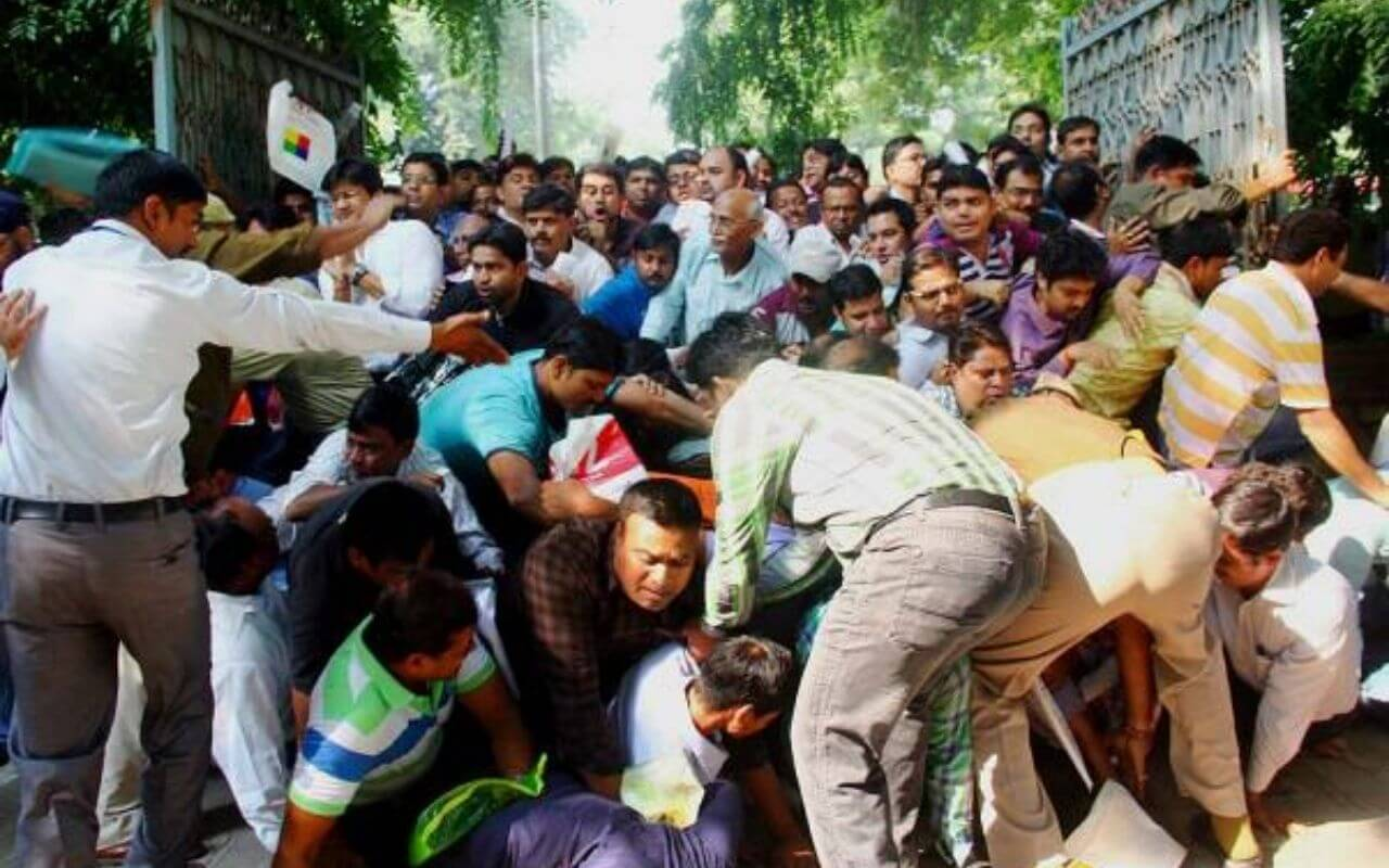 More Than 20 People Injured In Stampede at Vaccination Camp in Jalpaiguri