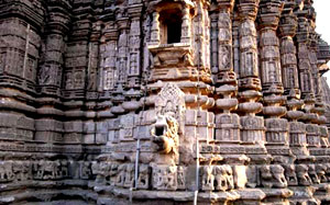 Gondeshwar Hemadpanti architecture