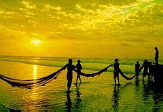 puri-beach-fishermen