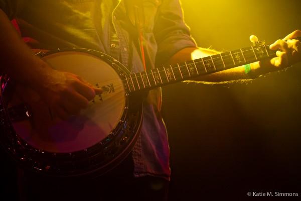 Bears Den banjo par Katie M Simmons