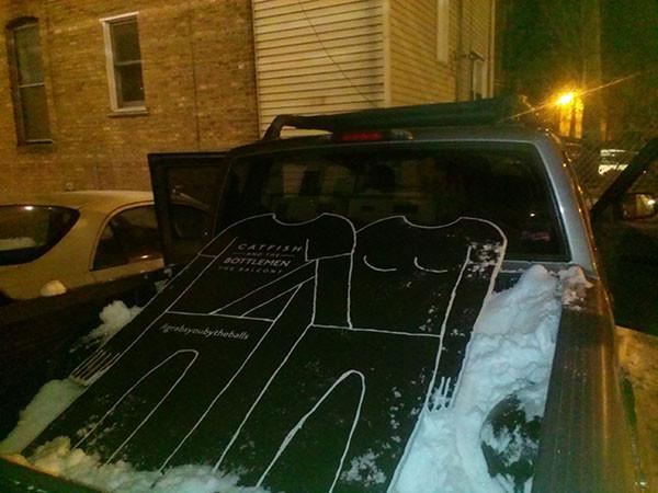 De la neige tassée en lieu et place de ceinture de sécurité pour les 150 kms séparant Chicago de Notre Dame © Megan Knobloch