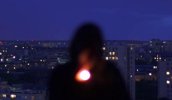 [Clip] Violet Arnold – Moon