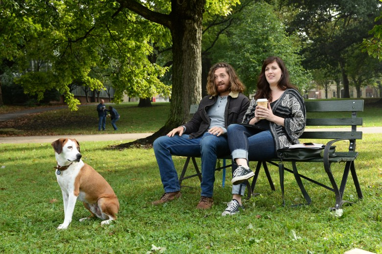 """DOWNWARD DOG - """"The Full Package"""" - Nan meets Eric, (guest star Timothy Odmundson) an attractive dog owner who appears to be the older, more successful version of Jason, and enlists his help with Martin, secretly hoping to score a date. But when Martin spends time with Eric's well-trained dog, it thrusts Martin into a crisis of self-confidence, on """"Downward Dog,"""" TUESDAY, JUNE 6 (8:00-8:30 p.m. EDT), on The ABC Television Network. (ABC/Donald Rager)NED, LUCAS NEFF, ALLISON TOLMAN"""