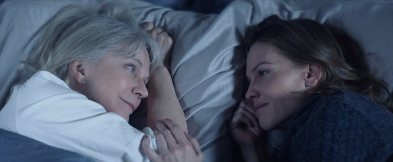 Blythe Danner and Hilary Swank appear in <i>What They Had</i> by Elizabeth Chomko, an official selection of the Premieres program at the 2018 Sundance Film Festival. Courtesy of Sundance Institute | photo by Bleecker Street. All photos are copyrighted and may be used by press only for the purpose of news or editorial coverage of Sundance Institute programs. Photos must be accompanied by a credit to the photographer and/or 'Courtesy of Sundance Institute.' Unauthorized use, alteration, reproduction or sale of logos and/or photos is strictly prohibited.