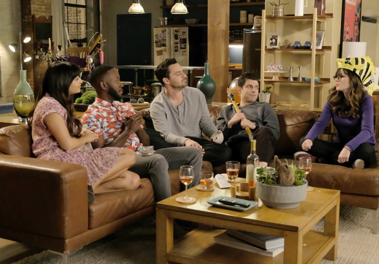 "NEW GIRL: L-R: Hannah Simone, Lamorne Morris, Jake Johnson, Max Greenfield and Zooey Deschanel in ""Engram Pattersky,"" the second part of the special one-hour series finale episode of NEW GIRL, airing Tuesday, May 15 (9:30-10:00 PM ET/PT) on FOX. ©2018 Fox Broadcasting Co. Cr: Ray Mickshaw/FOX"
