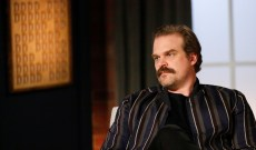 'Stranger Things' Star David Harbour Dissects 'The X-Files' and His Favorite TV Episode Ever — Turn It On Podcast