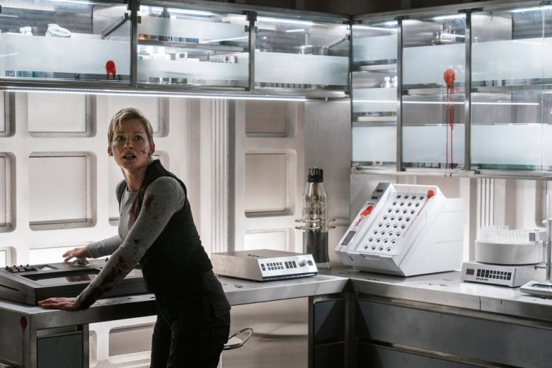 """NIGHTFLYERS -- """"All That We Left Behind"""" Episode 101 -- Pictured: Gretchen Mol as Agatha -- (Photo by: Jonathan Hession/Syfy)"""