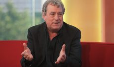 Terry Jones Dies at 77: John Cleese, Edgar Wright, and More Honor 'Monty Python' Icon