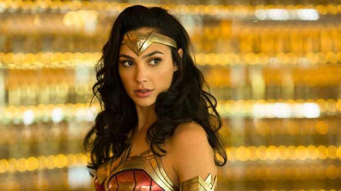 Gal Gadot (Diana Prince/Wonder Woman,Wonder Woman 1984)