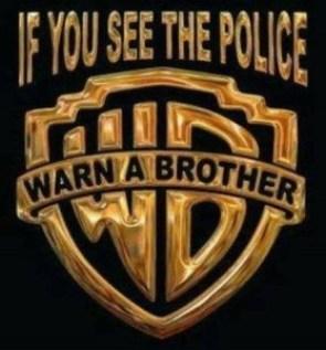 Če opaziš policijo - OPOZORI BRATA !!