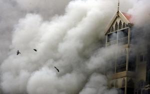 Hotel Taj Mahal in fiamme
