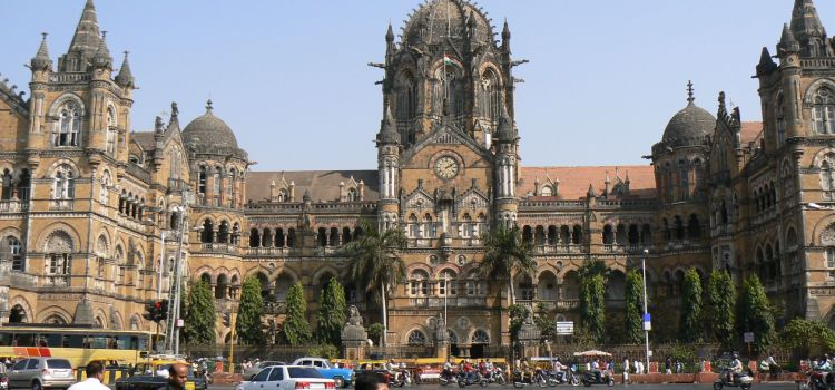 Ancora tensione a Mumbai, trovati 8 chilogrammi di esplosivo alla stazione centrale