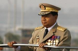 Il leader della giunta, Than Shwe
