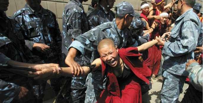 Proteste e tensioni in Tibet, 109 persone arrestate. Due giornalisti italiani fermati