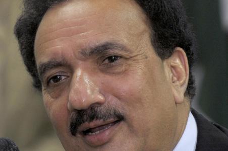 """""""L'India sostiene il terrorismo in Pakistan"""". Rehman Malik punta il dito su New Delhi"""