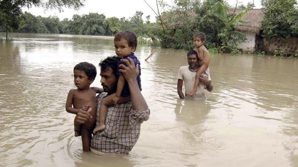 L'India del Sud devastata dalle alluvioni. Centinaia di vittime e due milioni e mezzo di sfollati