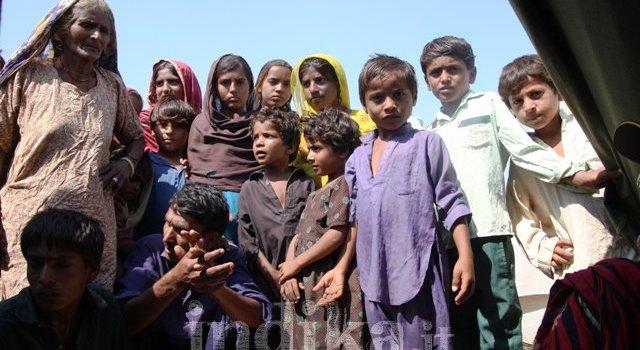 La deriva degli alluvionati del Sindh. Da Area 7