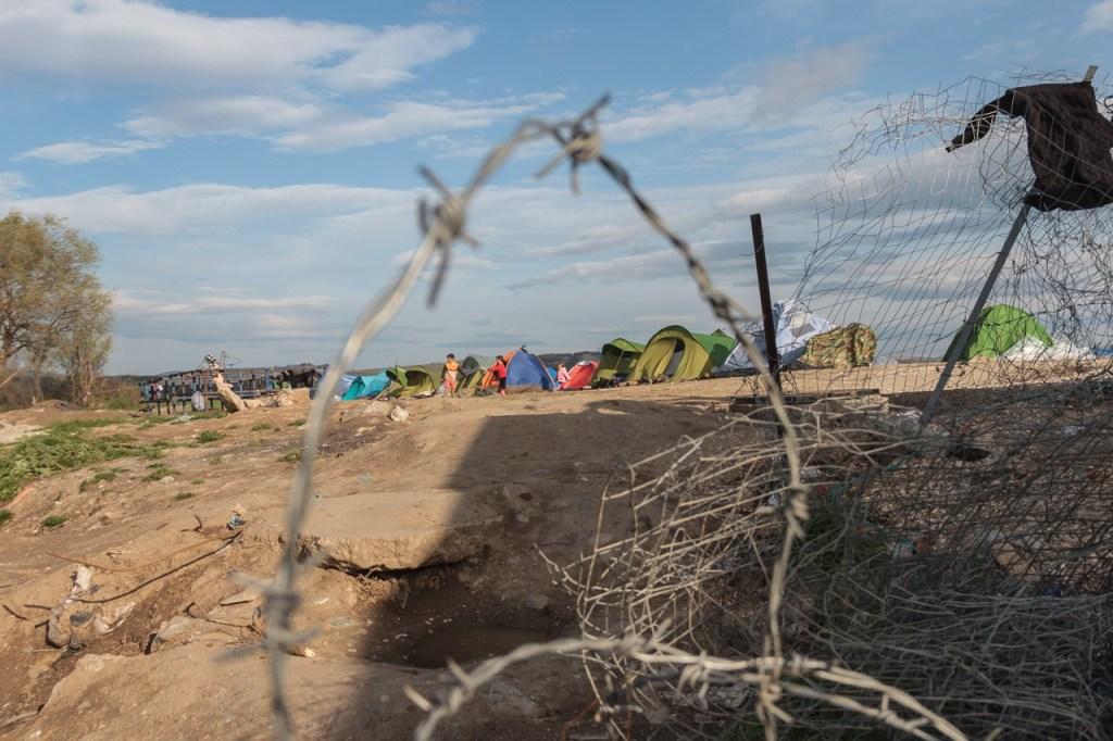 Idomeni, verso il confine con la Macedonia. Foto Mattia Alunni Cardinali