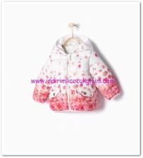 Zara kız bebek çiçekli ekru kapşonlu mont-76 TL