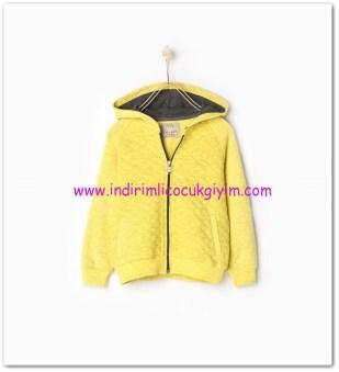 Zara erkek çocuk sarı kapşonlu sweatshirt ceket-50 TL