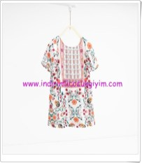 Zara kız çocuk floral desenli elbise-80 TL