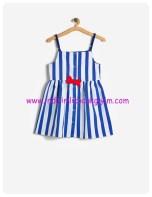 koton kız çocuk lacivert çizgili askılı elbise