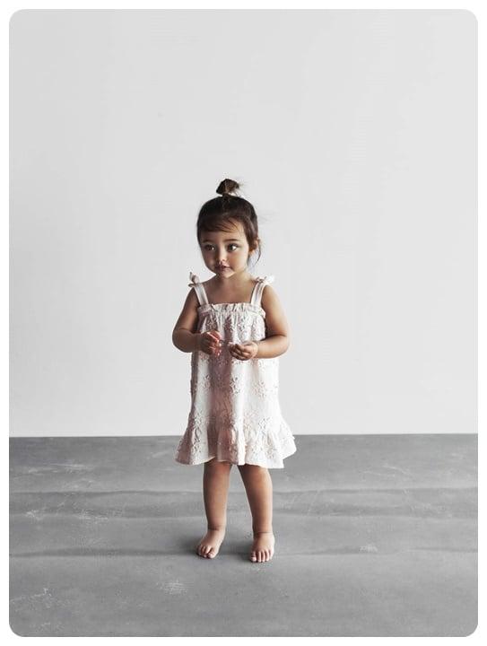 pembe-islemeli-kiz-bebek-elbise-100-TL