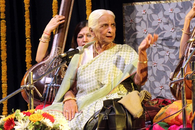 Indian classical singer-Girija Devi singing Chaiti