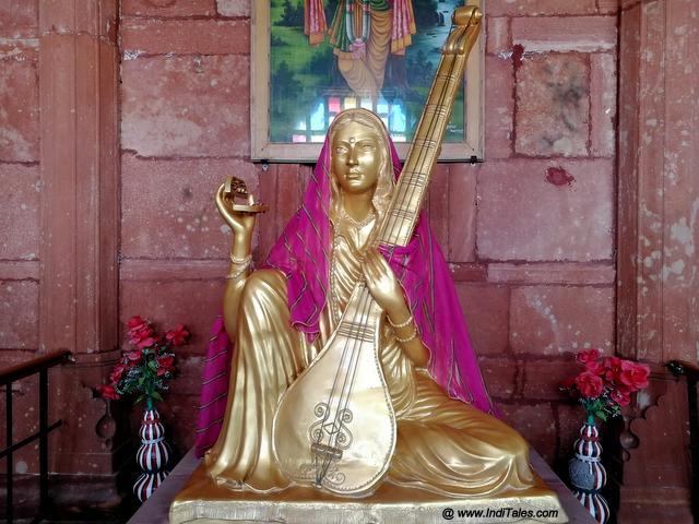 Meera's statue in Meerabai memorial in Merta