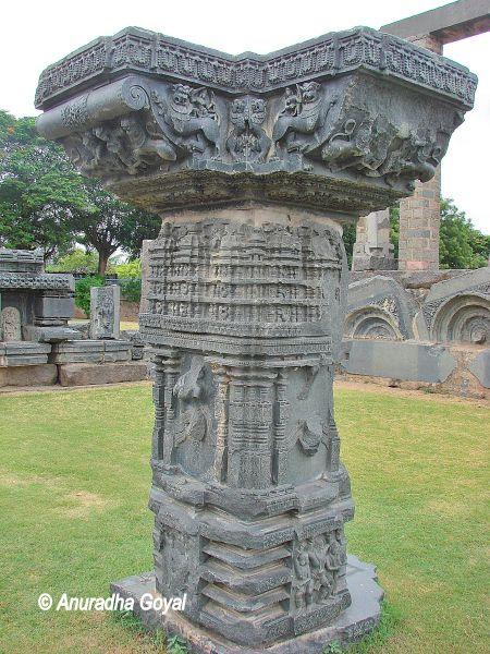 काकतीय मंदिर स्तम्भ