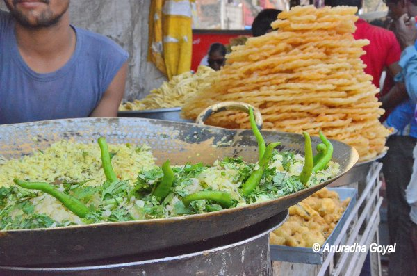 पोहे जलेबी - मध्य भारत का चहेता नाश्ता