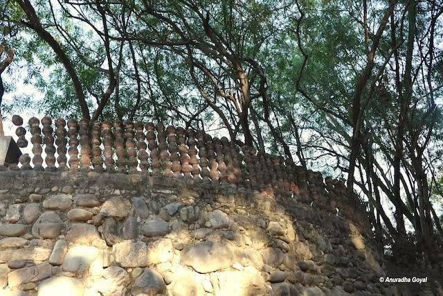 टूटे घड़ों से बने छज्जे – रॉक गार्डन, चंडीगढ़