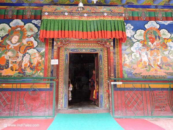 लामायुरु मठ का प्रवेश द्वार