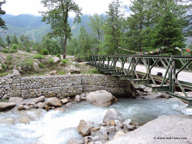 बसपा नदी की और जाती नदियों पर पुल - सांगला घाटी, हिमाचल प्रदेश