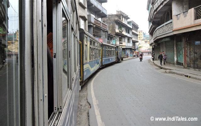 सड़कों पे दार्जीलिंग हिमालय रेल