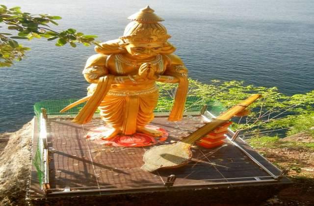 कोनेश्वरम मंदिर में रावण की प्रतिमा