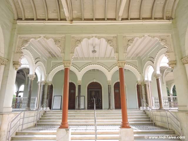 आगा खान महल का प्रवेश द्वार - पुणे