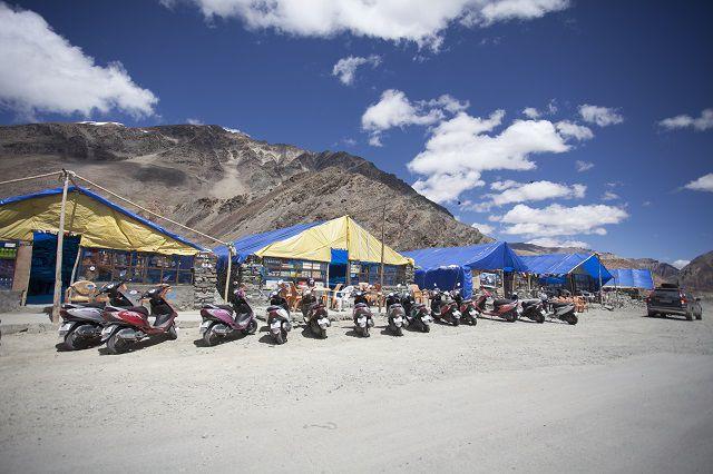 हिमालय की गोद में
