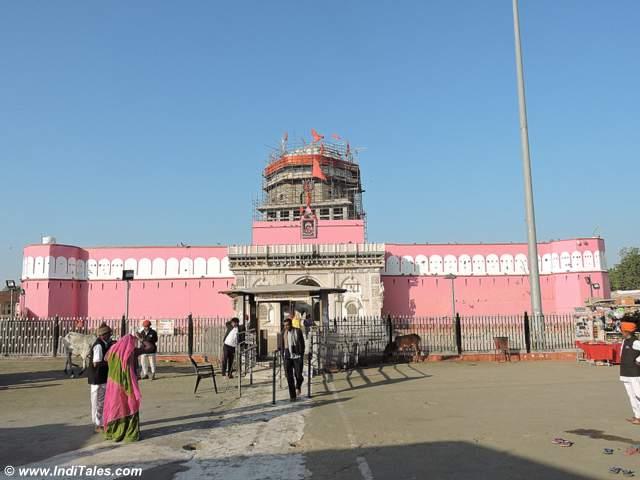दुर्ग रूप में बना करणी माता मंदिर