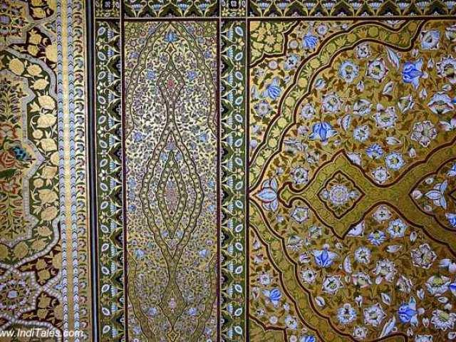 दीवारों पर सुनहरी नक्काशी - जूनागढ़ दुर्ग - बीकानेर