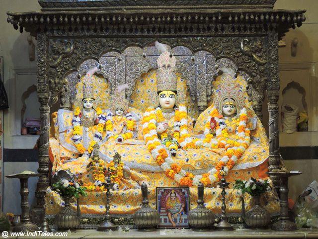कनक भवन में राम दरबार