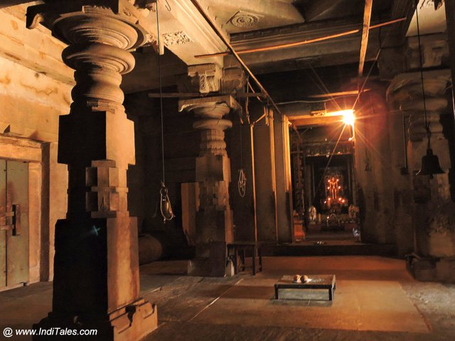 १००० स्तम्भ मंदिर का गर्भ गृह - मूडबिद्री