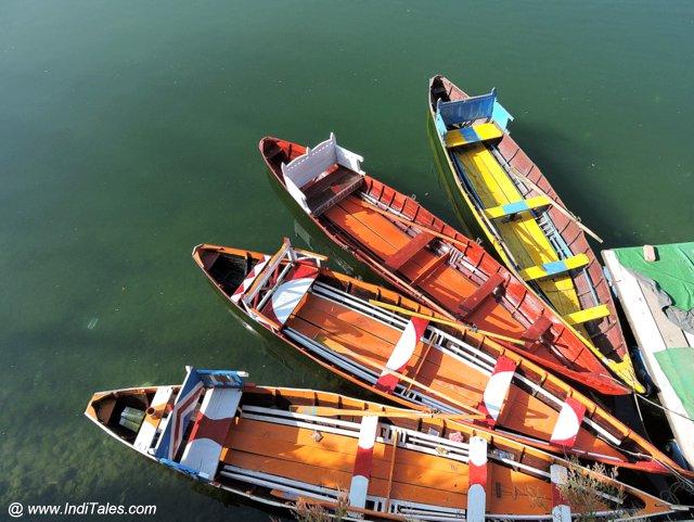 रंगारंग नौकाएं - भीमताल झील
